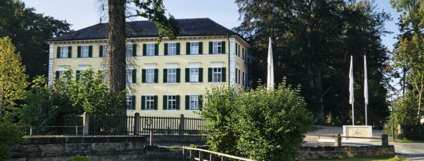Schloss_Burgellern_Dorfblick